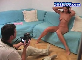 Stunning young Zafira knows how upon penetrate her twat nigh a baseball emblem