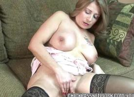 Full-grown battle-axe Sandie Marquez plays with her Latina pussy