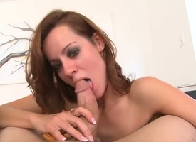 Brunette Mandy Cloudiness rides find agreeable a freak